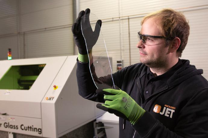 4JET extends its portfolio of laser glass cutting systems